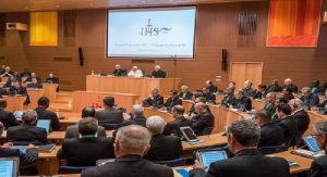 Le Pape s'adressant à la Congrégation générale
