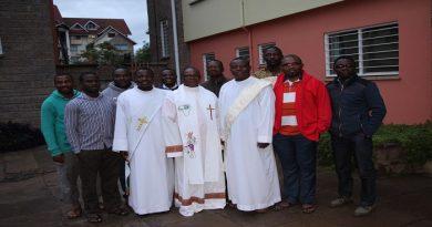 Fr Loua et les Jésuites à Hekima