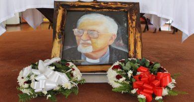 Père Peter Kolvenbach