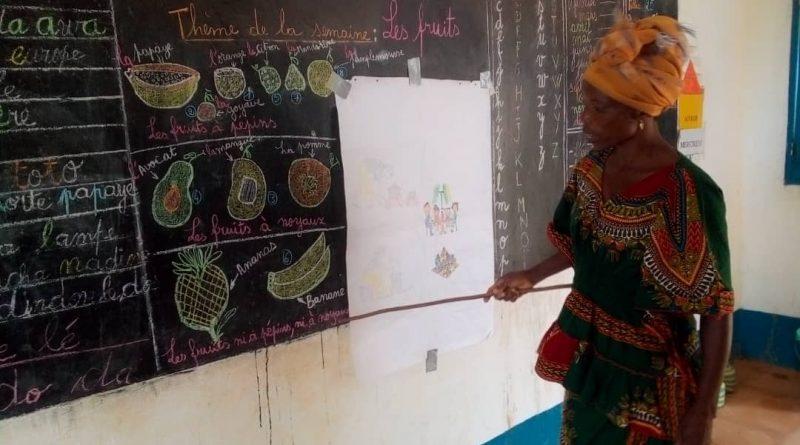 Mélanie teaches her preschool class